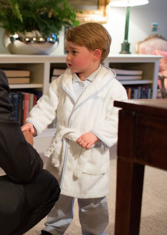 Classic Silly Phillie Kids Bathrobe worn by Prince George
